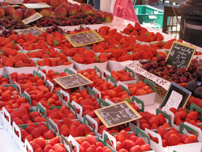 nicestrawberries Cooking in Nice:  Les Petits Farcis, Part One  The Market Tour